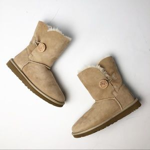 Ugg Leather Boots Bailey Button Suede 5803 EUC 5